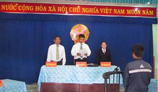 Viện kiểm sát nhân dân huyện Khánh Sơn phối hợp với Tòa án tổ chức phiên tòa lưu động