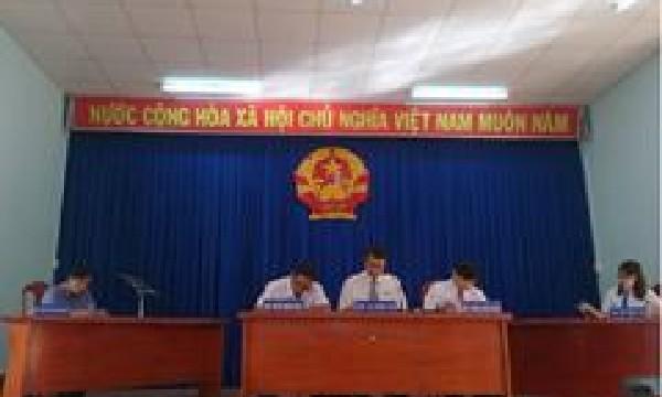 Viện kiểm sát nhân dân huyện Diên Khánh phối hợp với Tòa án nhân dân huyện Diên Khánh xét xử lưu động phục vụ công tác tuyên truyền pháp luật