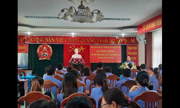 Viện kiểm sát nhân dân tỉnh Khánh Hòa phối hợp...
