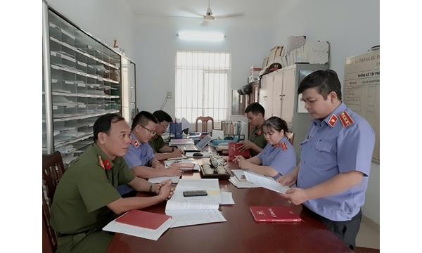 Viện KSND huyện Khánh Vĩnh trực tiếp kiểm sát việc...