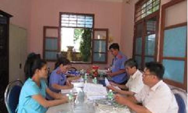 VKSND huyện Khánh Vĩnh phúc tra kết quả thực hiện kết luận trực tiếp kiểm sát và kiến nghị năm 2016 tại Chi cục thi hành án dân sự huyện Khánh Vĩnh.